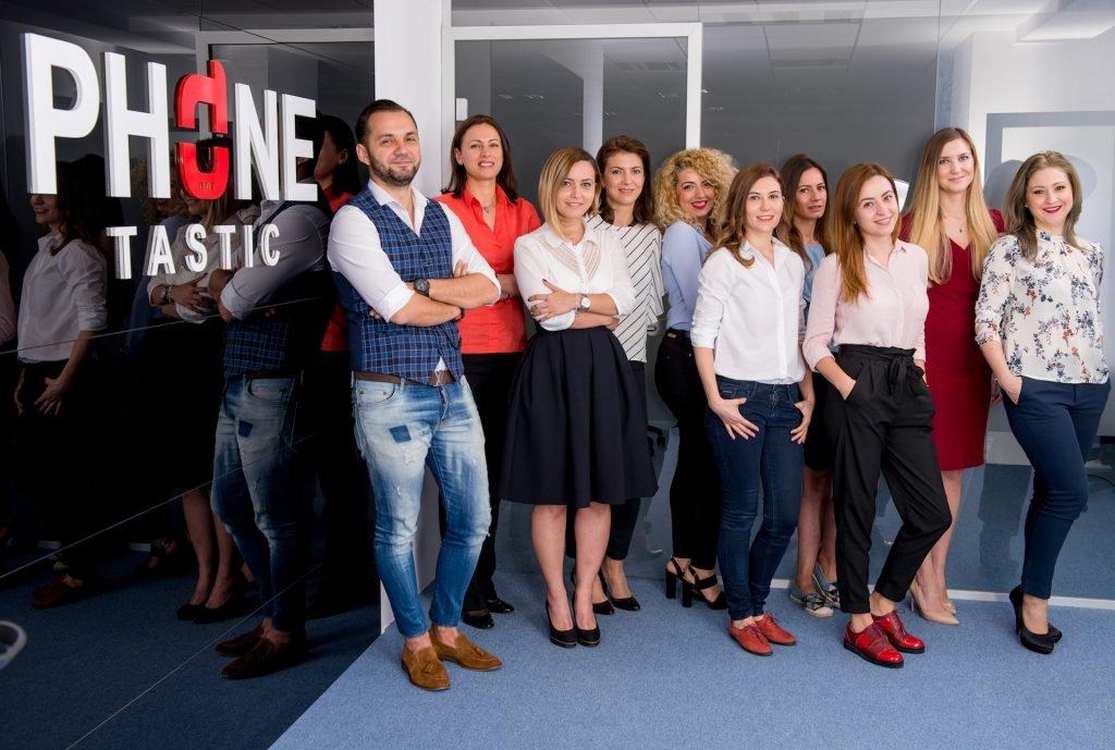 Phonetastic - sesiune foto de echipa la sediul companiei si la depozit